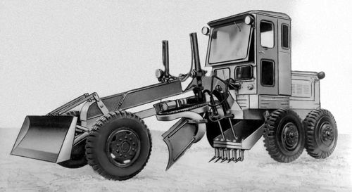 Общий вид автогрейдера со сменным оборудованием бульдозера. Автогрейдер.