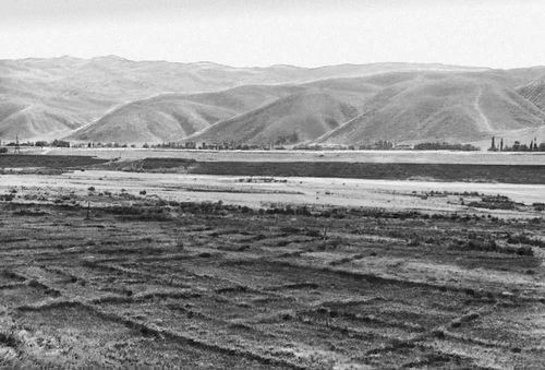 Андижанская область. Ферганская долина. На заднем плане — адыры. Андижанская область.