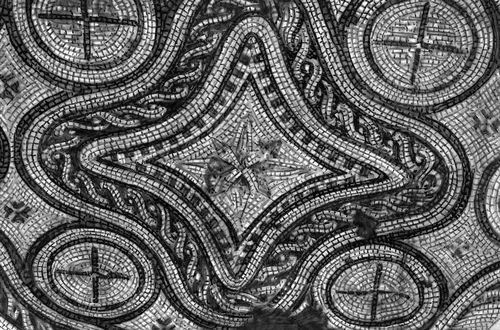 Аполлония Иллирийская. Фрагмент мозаичного пола жилого дома. 2 — 3 вв. Аполлония Иллирийская.