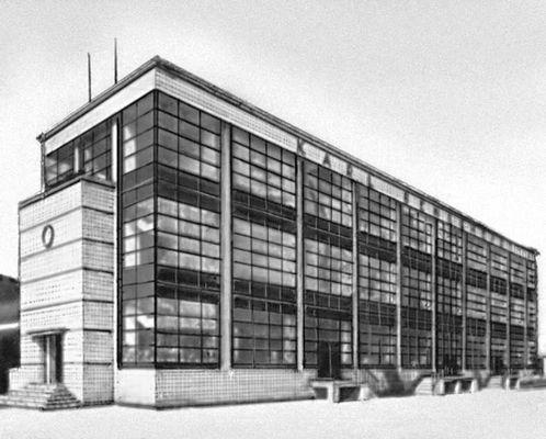 В. Гропиус. Фабрика «Фагус» в Альфельде. Германия. 1911. Архитектура.