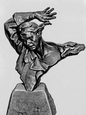 А. О. Бембель. Портрет Н. Ф. Гастелло. Бронза. 1943. Художественный музей. БССР. Минск. Бембель Андрей Онуфриевич.