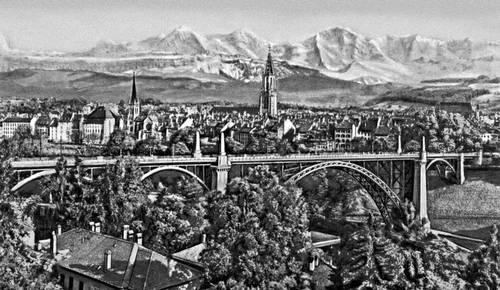 Берн. Вид части города на фоне Альп. Берн.