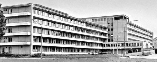 Городская клиническая больница в Вильнюсе. 1967. Архитекторы 3. Ляндсбергис, Э. Хломаускас. Больница.