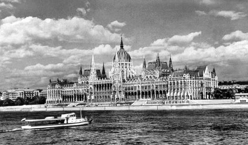 Будапешт. Здание парламента. 1884—1904. Архитектор И. Штейндль. Будапешт.