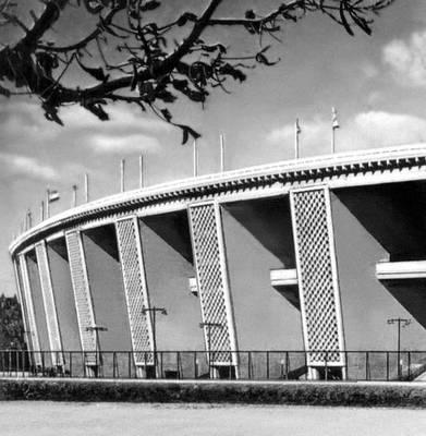 Будапешт. Народный стадион. 1948—53. Архитектор К. Давид. Будапешт.