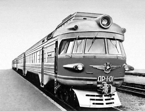Рис. 7. Вагоны дизель-поезда (внешний вид). Вагон.
