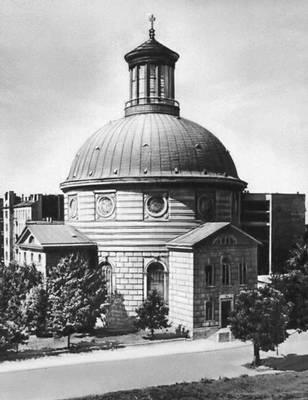 Евангелическая церковь. 1778—81. Архитектор Ш. Б. Цуг. Варшава.