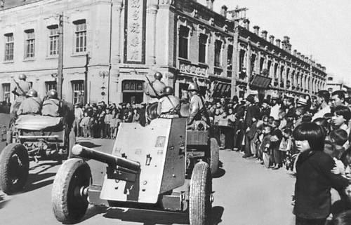 Советские войска вступают в Харбин. Август 1945. Великая Отечественная война Советского Союза 1941-45.
