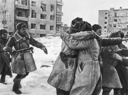 Соединение войск 21-й и 62-й армий в Сталинграде 26 января 1943. Великая Отечественная война Советского Союза 1941-45.