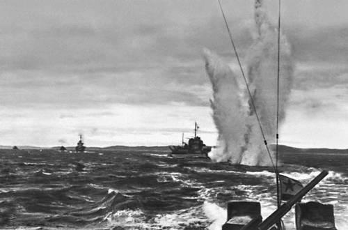 Бой с подводной лодкой. Северный флот. Великая Отечественная война Советского Союза 1941-45.