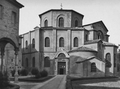 Византия. Церковь Сан-Витале в Равенне. 526—547. Византия.