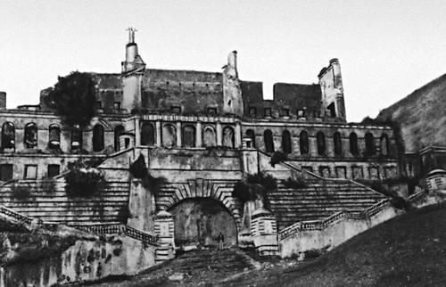 Дворец Анри Кристофа Сан-Суси близ г. Кап-Аитьен. 1811—12. Гаити (Республика Гаити).
