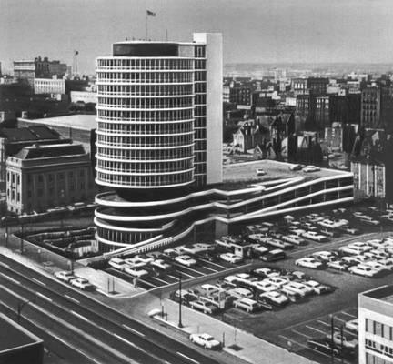 Гостиница <span style='font-family:Arial;layout-grid-mode:line'>«</span>Кристофер-Инн<span style='font-family:Arial;layout-grid-mode:line'>»</span> в штате Огайо в США. 1963. Гостиница.