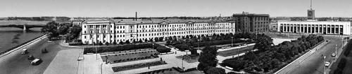 Н. В. Баранов и др. Площадь Ленина в Ленинграде. 1960. Градостроительство.