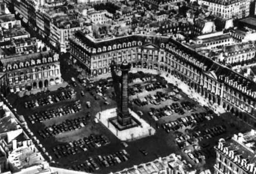 Ж. Ардуэн-Мансар. Вандомская площадь в Париже. 1685—1701. Градостроительство.