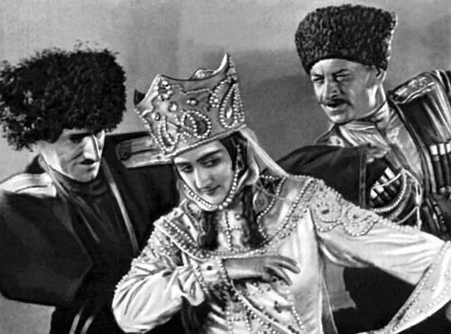 Кадр из фильма «Последний маскарад». Реж. М. Э. Чиаурели. 1934. Грузинская Советская Социалистическая республика.