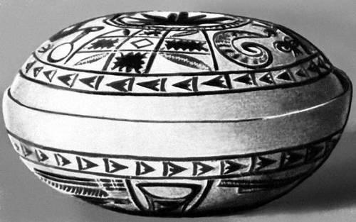Калебас с выжженным геометрическим орнаментом. Дагомея.