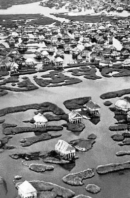 Деревня Ганвье в Южной Дагомее. Дагомея.
