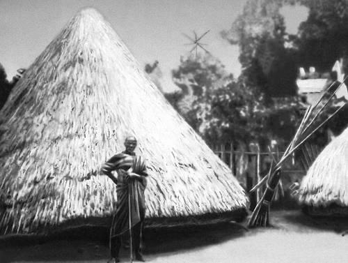 Культовое сооружение в Северной Дагомее. Дагомея.