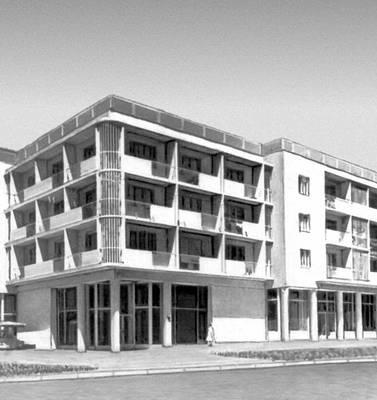 Душанбе. Жилой дом на Привокзальной площади. 1965. Архитектор В. А. Афанасьев. Душанбе.