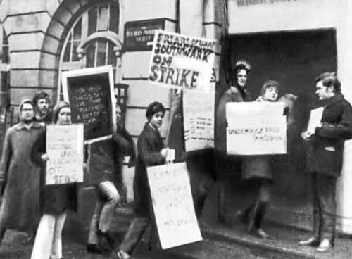 Забастовка учителей в Лондоне. Великобритания. 1969. Забастовка.