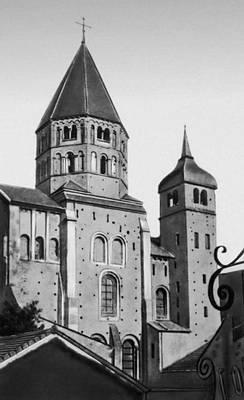 Клюни. Церковь Клюни-3. 1088 — 12 в. Южное плечо главного трансепта с прилегающей башней. Клюни.