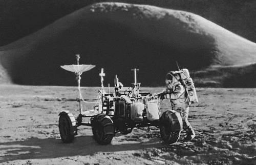 Космонавт Джеймс Ирвин на Луне. Космонавтика.