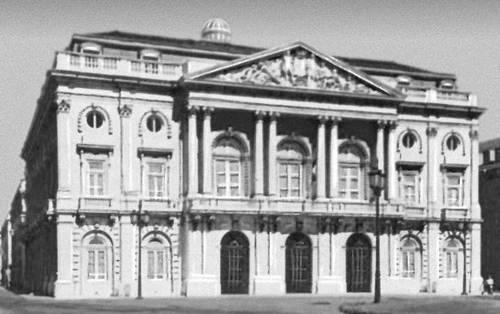 Лисабон. Ратуша. 1867—75. Архитектор Д. Паренти ди Силва. Лисабон.