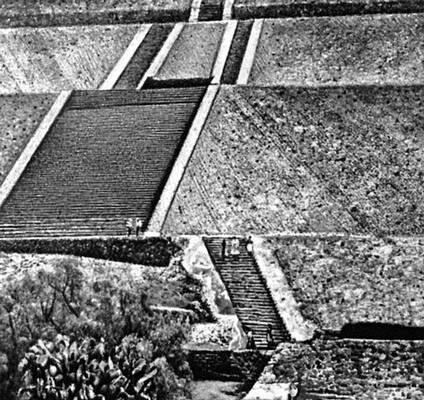 «Пирамида Солнца» в Теотиуакане. 2 в. до н. э. — 9 в. н. э. Мексика.