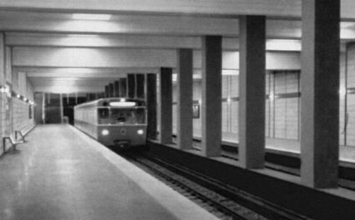 Станция метрополитена «Нордфридхоф» (линия «Север—Юг») в Мюнхене. 1965—71. Архитектор П. Нестлер. Метрополитен.