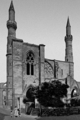 Мечеть Селимие (б. собор св. Софии). 1217—1326. Внешний вид. Никосия.