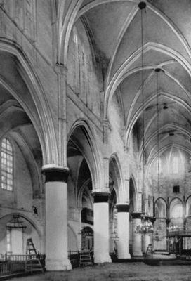Мечеть Селимие (б. собор св. Софии). 1217—1326. Интерьер. Никосия.