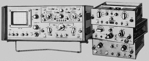 Рис. 2. Универсальный осциллограф со сменными блоками. Осциллограф.