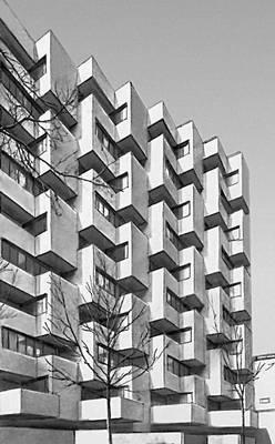 Париж. Жилой дом на Рю де Пирене. 1966. Архитекторы Р. Анже, Париж Пуччинелли, Л. Ведер. Париж.