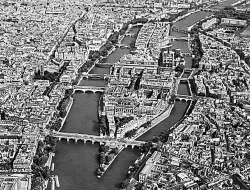 Париж. Остров Сите на р. Сене. Париж.