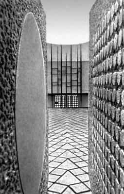 Мемориал погибшим в фашистских концлагерях. Париж. 1961. Архитектор Ж. А. Пенгюссон. Париж.