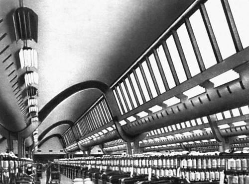 Хлопкопрядильная фабрика в Бухаресте. Интерьер прядильного цеха, 1950-е гг. Архитектор И. Бэлэнеску, инженер А. Таиллер. Промышленные здания.