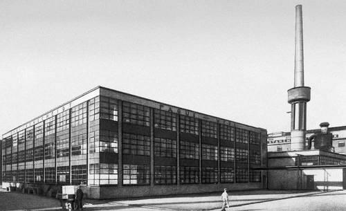 В. Гропиус. Фабрика «Фагус» в Альфельде (Нижняя Саксония). 1911. Промышленные здания.
