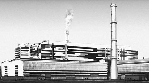 Металлургический завод близ Исфахана (Иран). Конвертерный цех, 1960-е гг. Советские архитекторы В. С. Пермогенский, Г. В. Вольфензон, Е. Ф. Лунин. Промышленные здания.