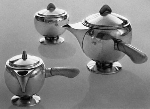 Серебро. Х. К. ван де Велде (Бельгия). Кофейный сервиз. 1922. Музей художественных ремёсел. Цюрих. Серебро.
