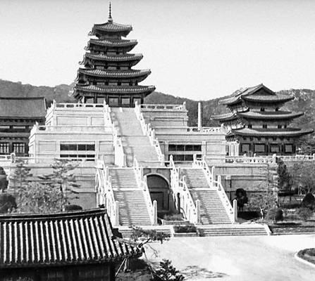 Сеул. Дворец Доксу. 16 в. Сеул.