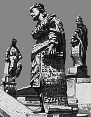 Скульптура. Алейжадинью (Бразилия). «Пророки». Статуи на лестнице церкви Бон-Жезус-ди-Матозиньюс в Конгоньясе. Камень. Окончены в 1805. Скульптура.