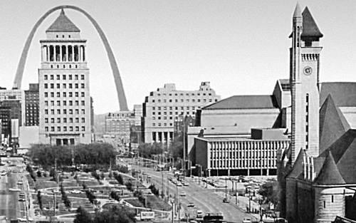 Сент-Луис. Центральная площадь Плаза Мемориал. Соединённые Штаты Америки.