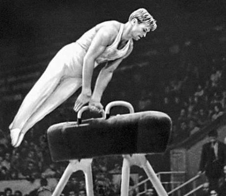 Спортивная гимнастика. Упражнения на коне (Б. А. Шахлин). Спортивная гимнастика.