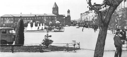 Ленинакан (Армянская ССР). Площадь Героев Майского восстания. СССР. Армянская ССР.