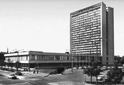 Таллин. Гостиница «Виру». 1972. Архитекторы Х. Сепманн, В. Тамм и др. Таллин.