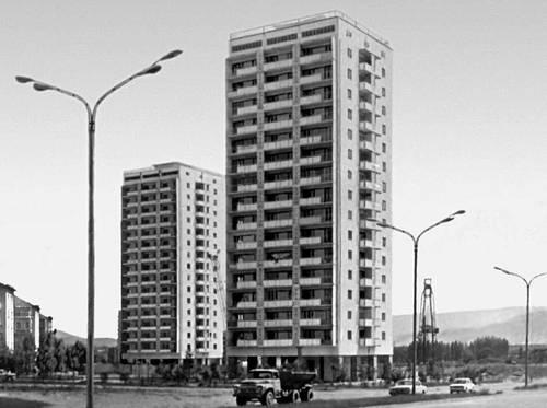 Тбилиси. Новые дома в жилом районе Дигоми. 1974—76. Тбилиси.