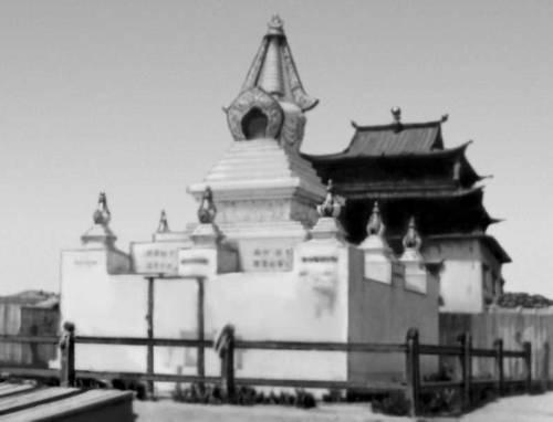 Субурган в монастыре Гандан в Улан-Баторе. 1911—13. Улан-Батор.