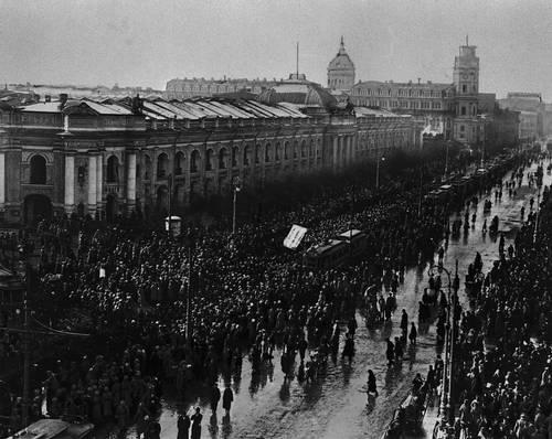 Демонстрация революционеров, освобожденных из тюрьмы. Март 1917. Якутск. Февральская буржуазно-демократическая революция 1917.