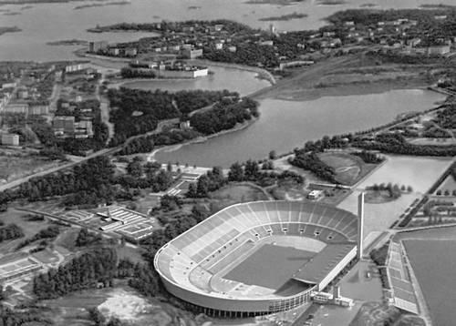 Хельсинки. Олимпийский стадион. 1934—40, перестраивался в 1952. Архитекторы И. Линдегрен, Т. Янтти. Хельсинки.